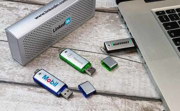 http://static.flash-drives.ca/images/products/Classic/Classic2.jpg