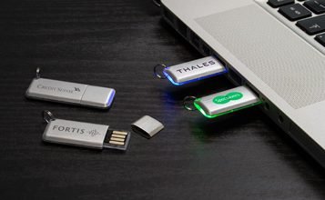 https://static.flash-drives.ca/images/products/Halo/Halo0.jpg