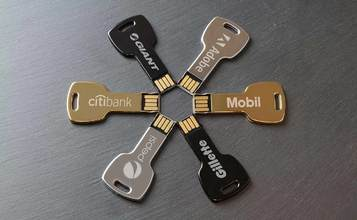 https://static.flash-drives.ca/images/products/Key/Key1.jpg